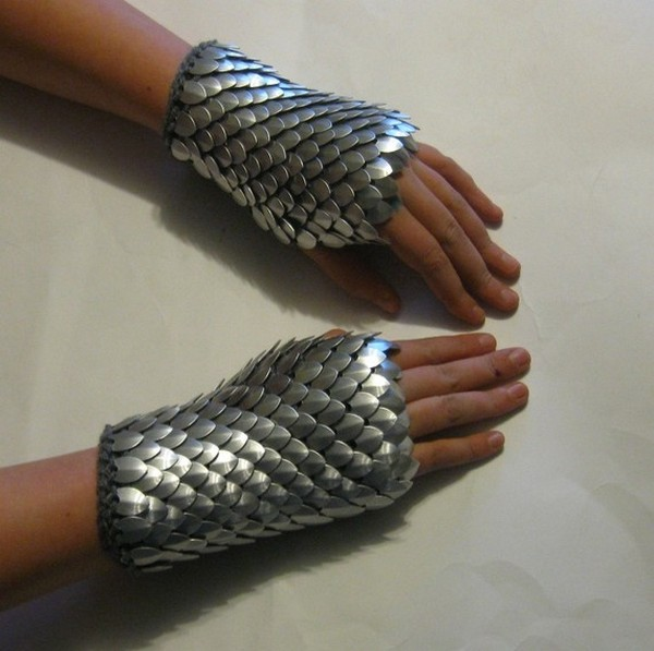 dragon-gloves-2.jpg